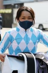 210419 神尾香澄騎手デビュー戦-01