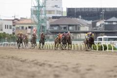 210602 酒井忍騎手 2000勝達成-01
