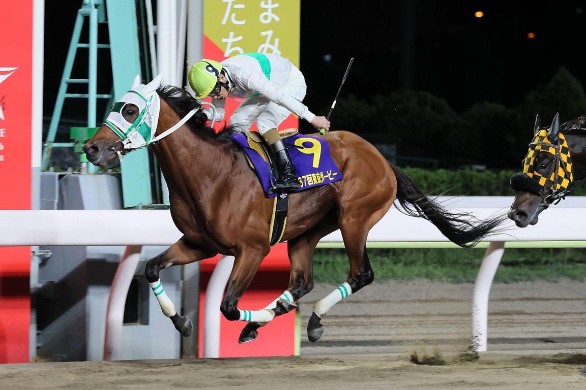 210609 東京ダービー-01 優勝はアランバローズ