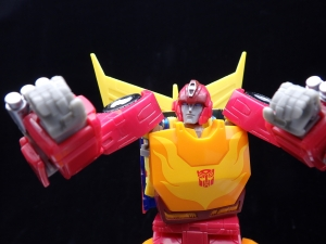 Transformers Studio Series 86-04 Voyager Autobot Hot Rod (1)