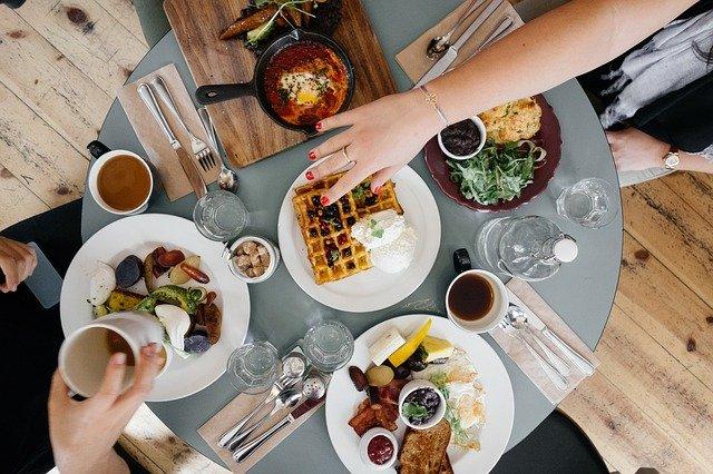 breakfast-690128_640.jpg