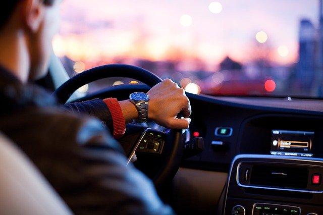 car-1149997_640.jpg