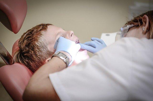 dentist-428646_640.jpg
