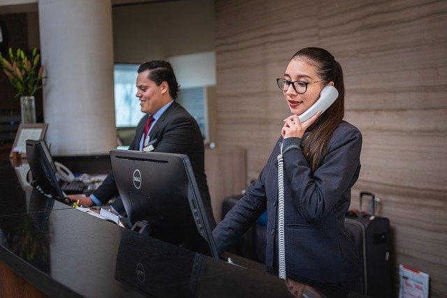 receptionists-5975962_640.jpg