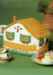 Patons_Totem_8ply_Cottage_Tea_Cosy_image.jpg