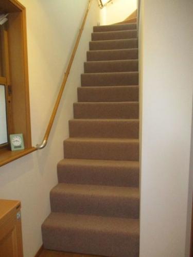 階段カーペット張り替え