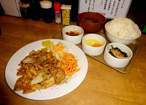 東京都千代田区外神田 洋食は飲み物。 秋葉原店