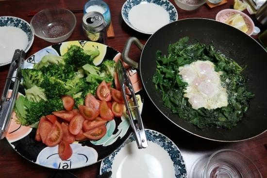巣籠もり玉子、ブロッコリー&トマト
