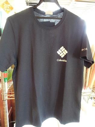 MサイズのTシャツ