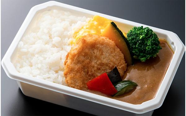 特に人気なのは、「大阪大黒ソースチキンカツカレー」。