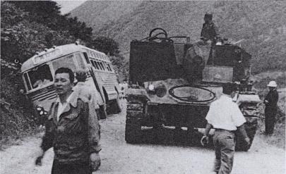 56shiki試製56式105mm自走榴弾砲Experimental Type 56 105mm SPG 「SY」M24軽戦車Light Tank M24Chaffeeアメリカ軍M101(M2A1)105mm榴弾砲M37自走砲HMC(Howitzer Motor Carriage)陸上自衛隊(警察予備隊・保安隊)試作自走榴弾砲
