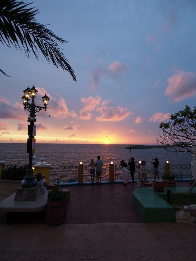 沖縄旅行2021年3日目 アメリカンヴィレッジからの夕日