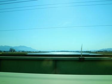 IMG_0238 河を渡り