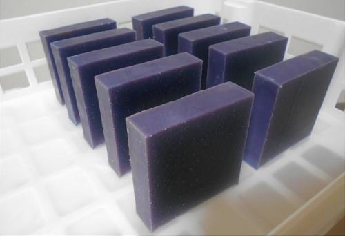 マカダミア紫根石鹸