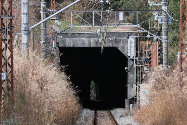 210103_113317名越トンネル_1200