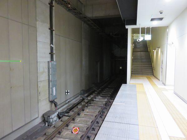 元町・中華街駅の車止め。この先に留置線が新設される。