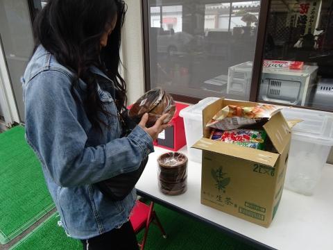 「ヒーローで木製サラダボールを買って来てあげました!」④