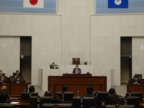 「臨時議会・総務企画委員会が開かれました。」②