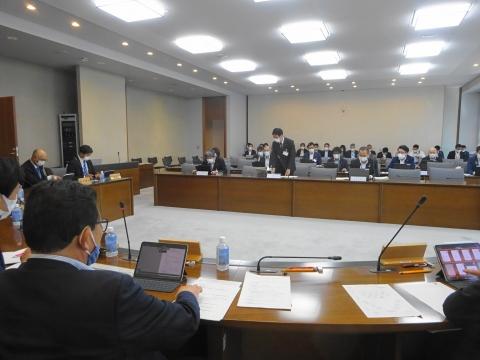 「総務企画委員会」資料の持ち合わせが無い件を厳重注意しました。④